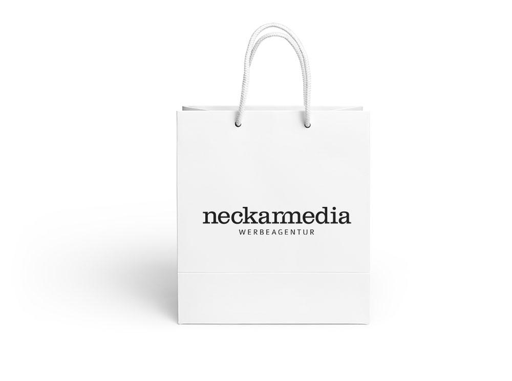 Einkaufstüte mit Neckarmedia-Logo
