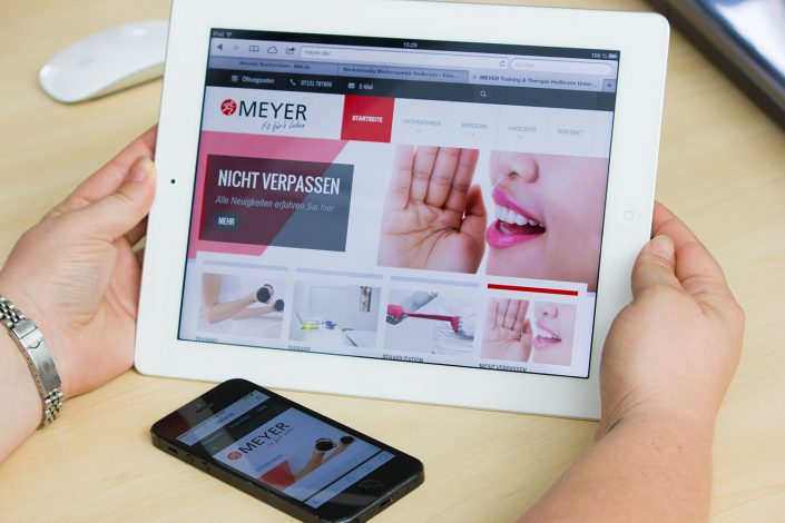 Corporate Design Meyer Training & Therapie